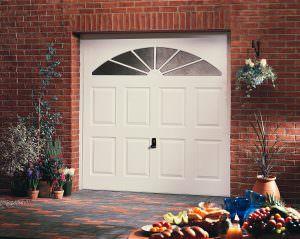 White Garador Garage Door